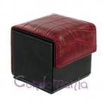 Odinė prezervatyvų dėžutė (juoda/raudonas krok.)